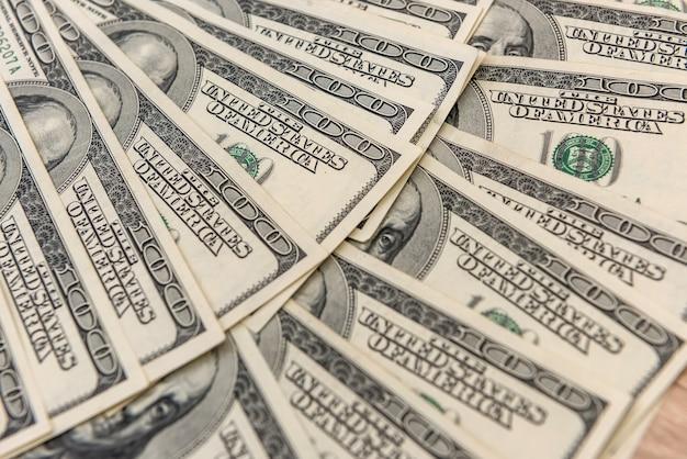 Notas de dólares antigas como superfície para design