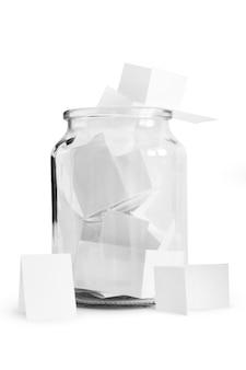 Notas de papel com desejos isolados no branco foto: