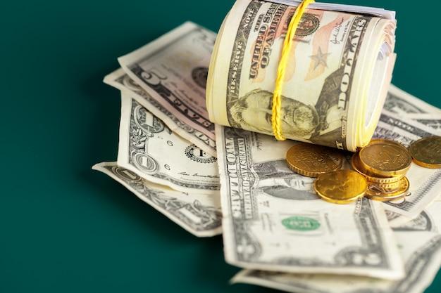 Notas e moedas de dólar dos eua