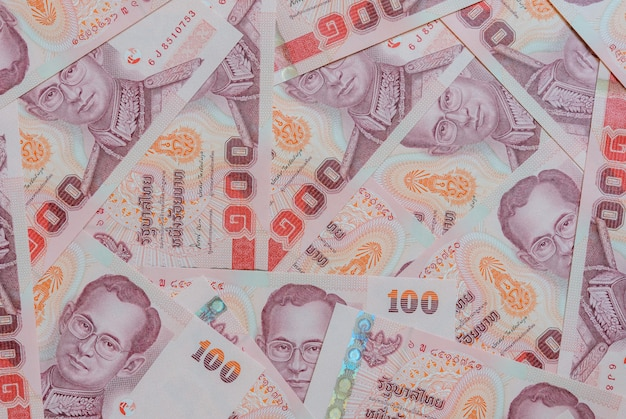 Notas tailandesas de cem baht