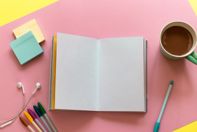Notebook com lista de tarefas