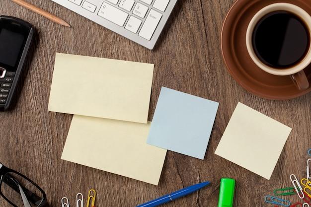 Notebook e material de escritório
