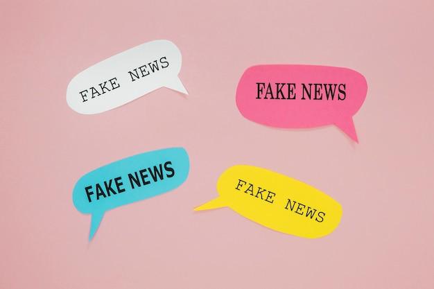 Notícias falsas em balões de fala