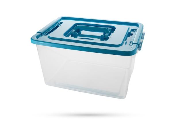 Nova caixa de plástico em fundo branco