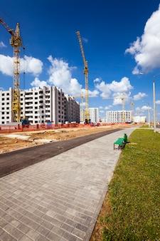 Nova construção - construção da nova casa na nova área da cidade.
