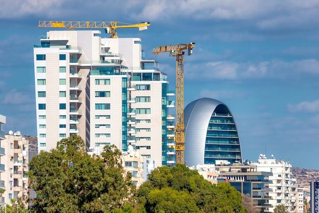 Nova construção de prédios em limassol. chipre