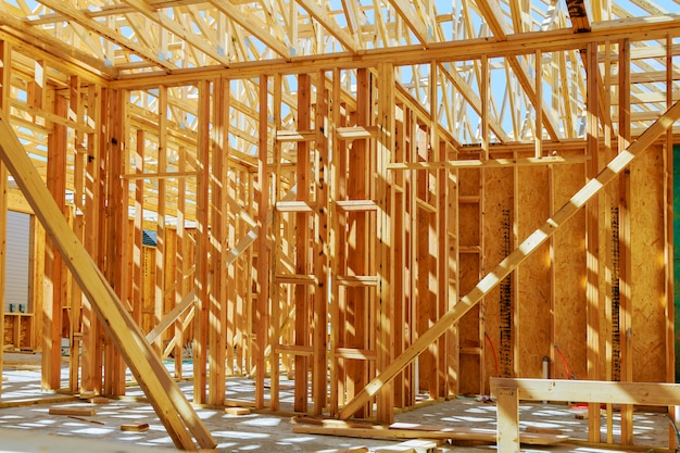 Nova construção de uma casa emoldurada nova construção
