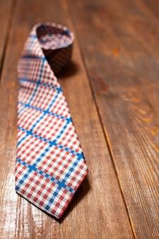 Nova gravata quadriculada masculina em madeira