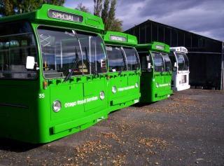 Nova zelândia é sobre os autocarros verdes, greenbuses