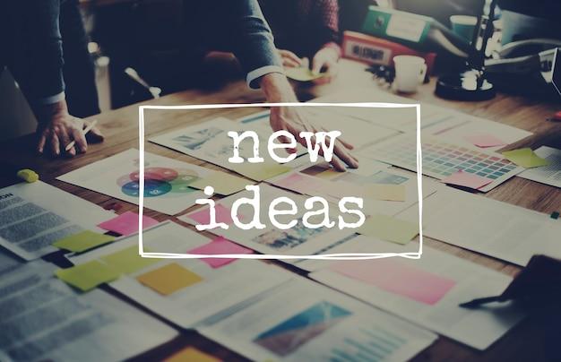 Novas ideias pensando fora da caixa conceito fresco