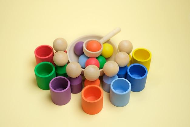 Novo brinquedo classificador de madeira moderno para crianças para aprender cores