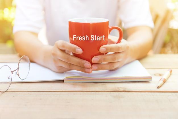 Novo começo do dia. transformação pessoal para um conceito de sucesso. desenvolvimento e melhoria de negócios. diferença positiva.