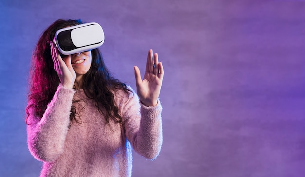 Novo espaço de cópia de fone de ouvido de realidade virtual de tecnologia