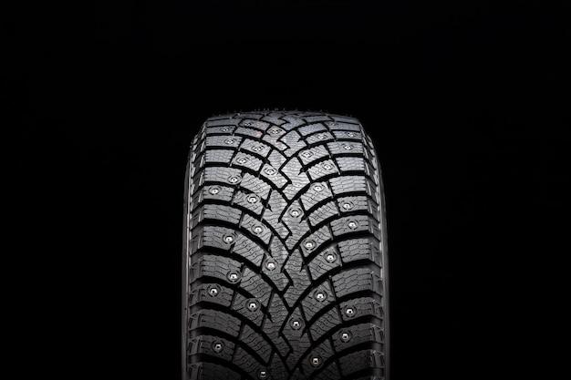 Novo pneu cravejado de inverno, segurança e qualidade premium.