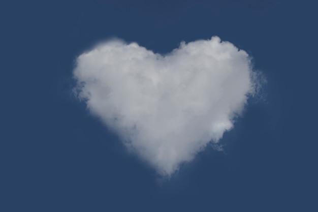 Nublado com forma de coração no céu azul. coração da nuvem.
