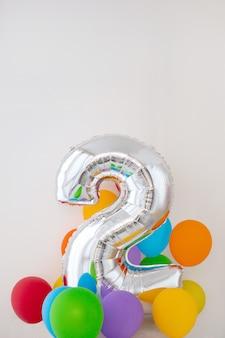 Número 2, dois, de, cor, balloon, ligado, luz, fundo