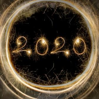 Número 2020 em fundo preto com bokeh