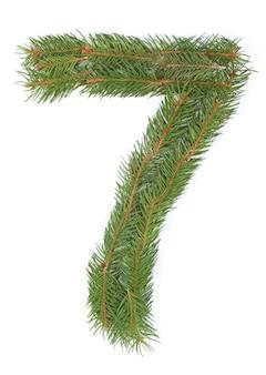 Número 7 - feito de árvore de natal em um espaço em branco