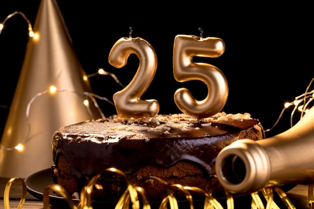 Número de aniversário close-up no bolo