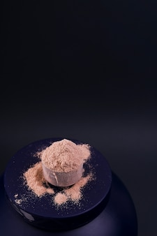 Nutrição esportiva. proteína em pó para coquetéis.