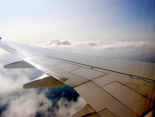 Nuvem aeronave céus ali companhias aéreas ar avião