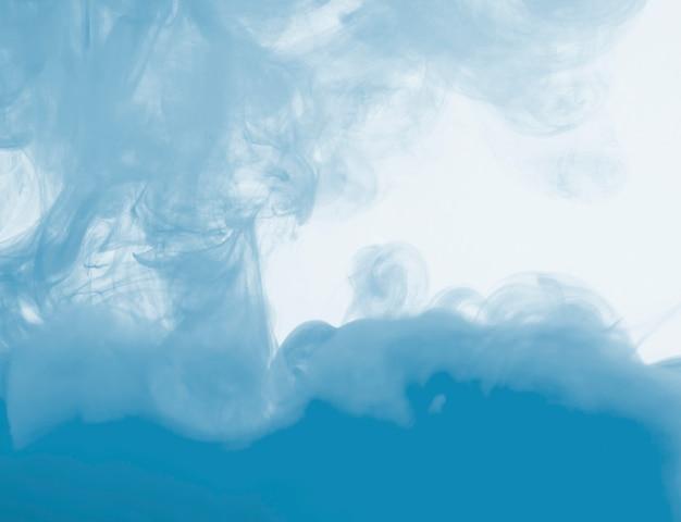 Nuvem azul densa de neblina