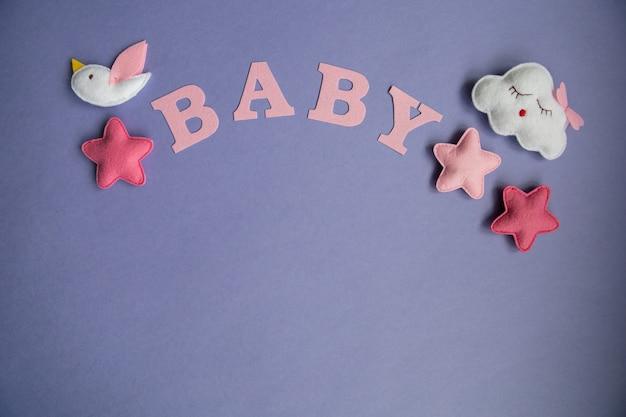 Nuvem de brinquedos de malha, estrela, urso, carneiro, coruja, pássaro cores rosa e azul