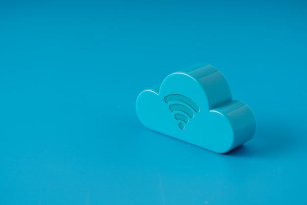 Nuvem de tecnologia em fundo colorido e criativo para o conceito de negócio global