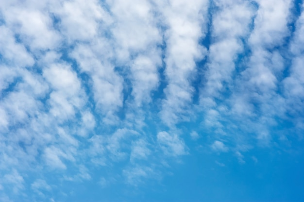 Nuvens céu azul com cirrocumulus