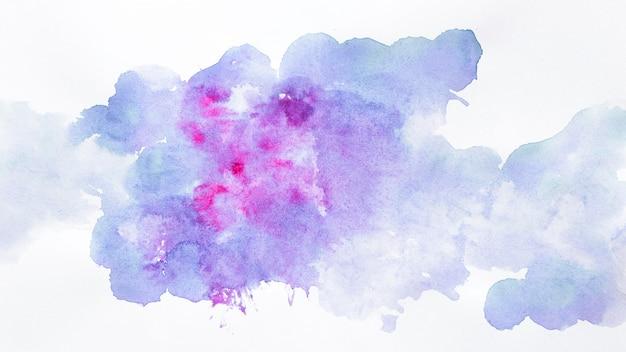 Nuvens de desenho em aquarela