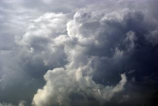 Nuvens de tempestade, chuva