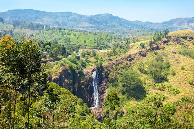 Nuwara eliya, devon falls