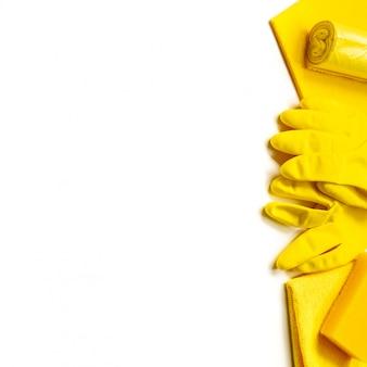O amarelo ajustou-se para a limpeza brilhante da mola na casa.