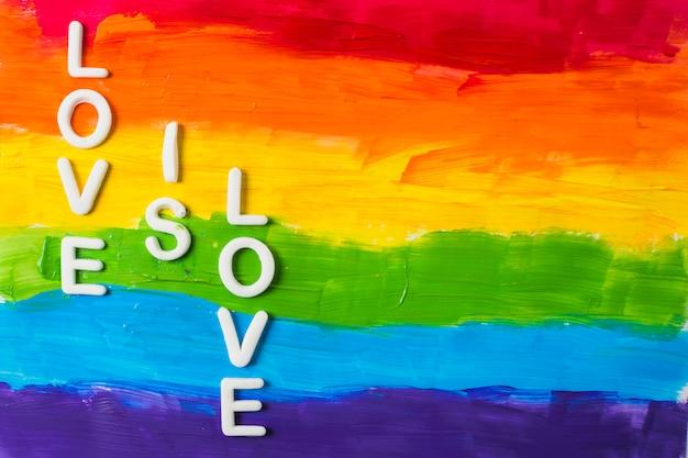 O amor é palavras de amor e cores lgbt