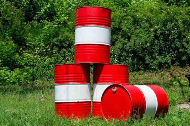 O barril é feito de metal como tanque de combustível