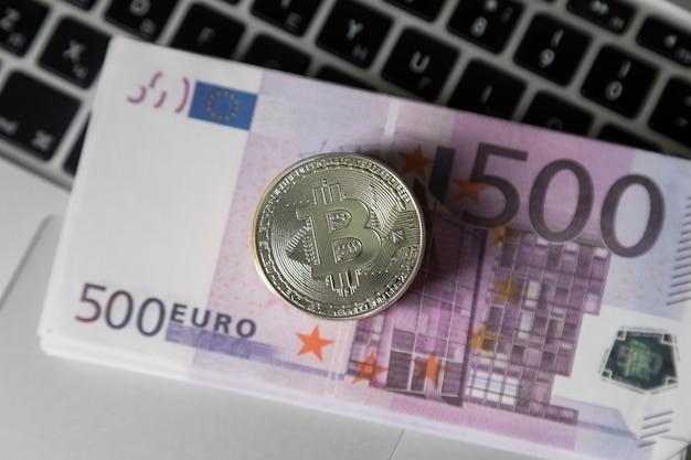 O bitcoin está no dinheiro