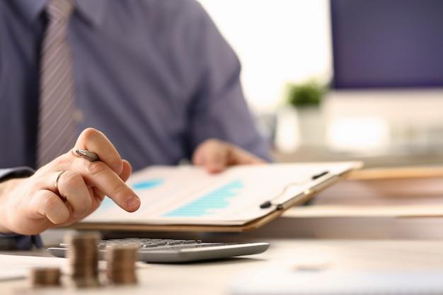 O booker calcula o conceito do relatório do imposto do orçamento da finança