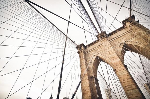 O cabo permaneceu a ponte