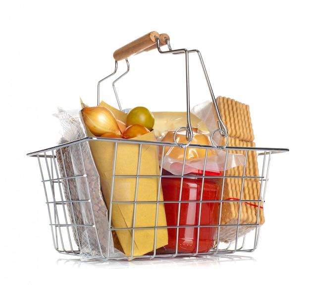 O carrinho de compras com vários alimentos