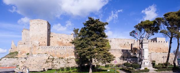 O castello di lombardia, enna
