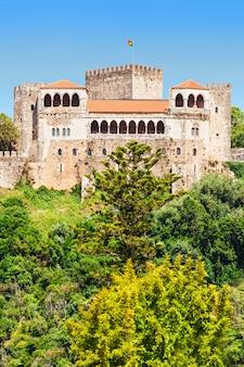 O castelo de leiria é um castelo da cidade de leiria em portugal