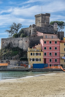 O castelo de san terenzo