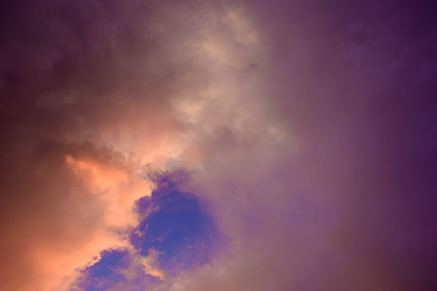 O céu durante a estação chuvosa.