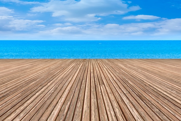 O chão e o mar da praça