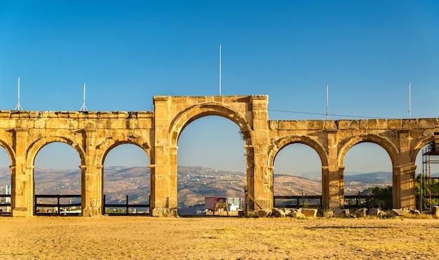O circo romano ou hipódromo em jerash, jordânia