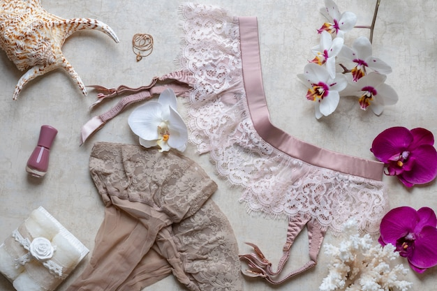 O conceito de beleza no blog, cinto para meias, cosméticos, perfumes.