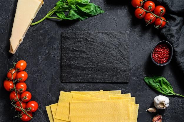 O conceito de cozinhar lasanha.