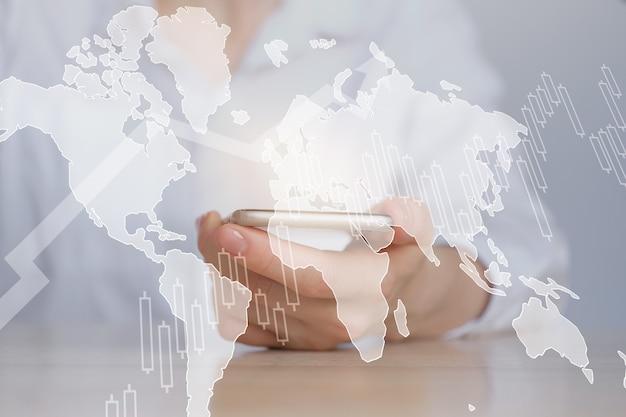 O conceito de crescimento de negócios globais em todo o mundo em um mapa do mundo.