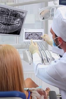 O conceito de dentes saudáveis.