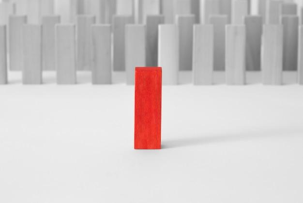 O conceito de liderança. destaque-se da multidão, não como todo mundo.